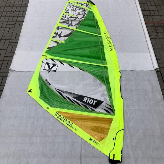 VANDAL Windsurf sail RIOT 4.7 2016 [TEST]