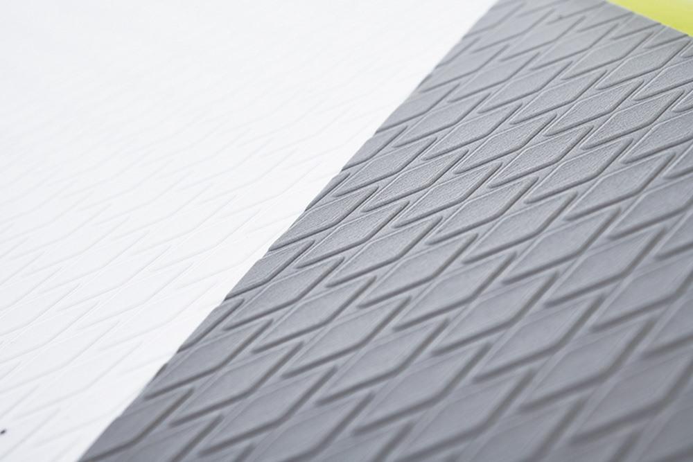 Aztron Nova - Diamond pattern footpad